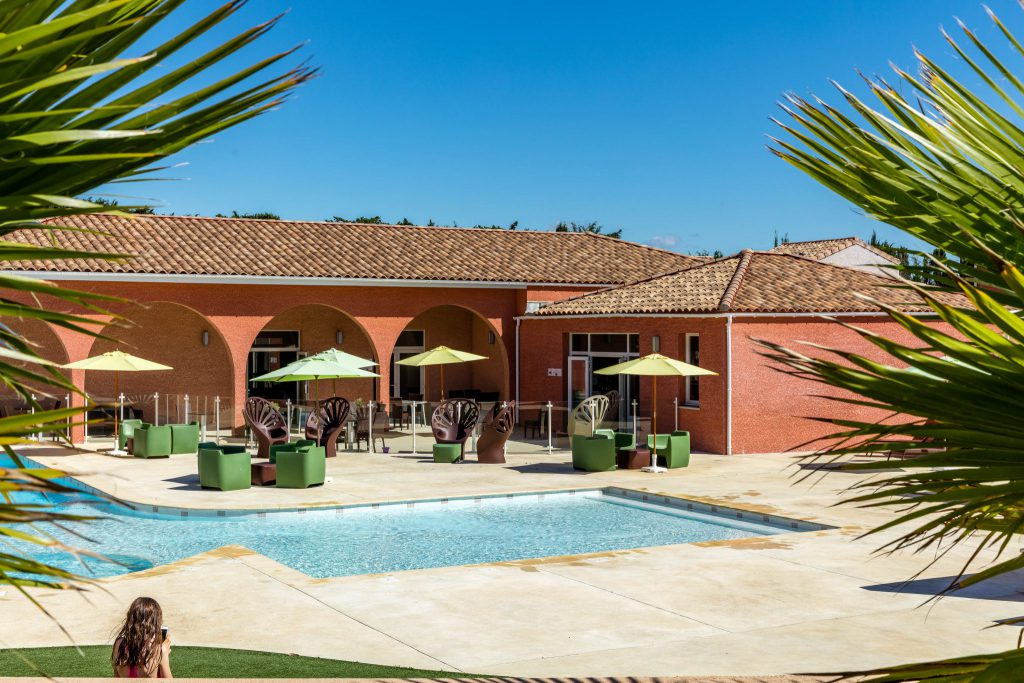 promotions-locations-appartement-chalets-cottages-vacances-été-2018-bons plans-pas-cher-terres-de-france-piscine-baignade
