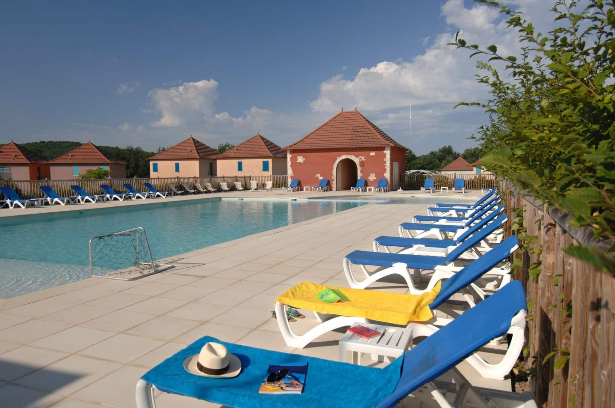Domaine de Claire Rive - Appartement avec piscine et WIFI - LOT (46)